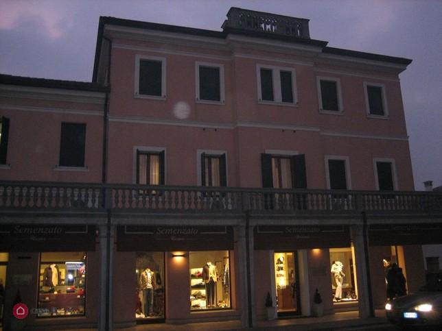 UFFICIO IN VENDITA centro storico Mogliano Veneto ...